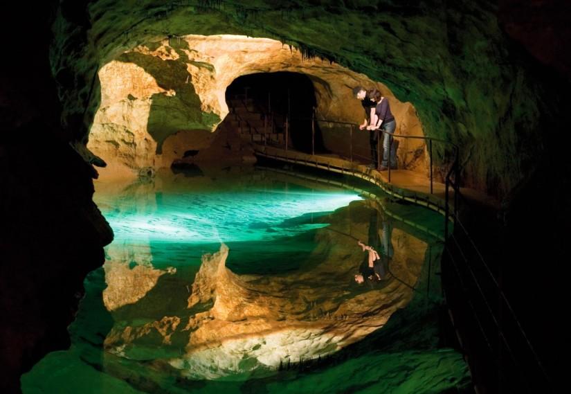 jenolan-caves